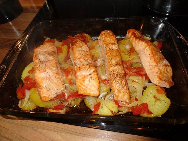 Красная рыба филе с картошкой в духовке рецепты