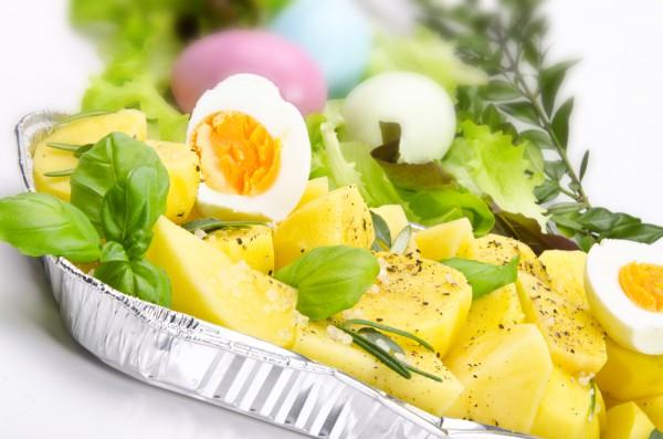Салат с вареным картофелем и яйцом