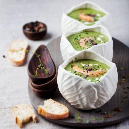 Крем-суп из брокколи с тигровыми креветками