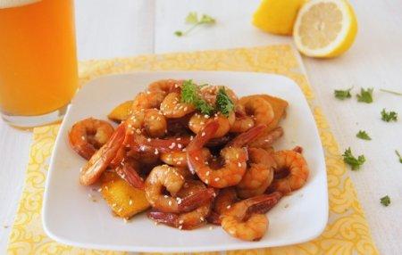 Креветки жареные в соевом соусе – деликатесный смак! Разные рецепты