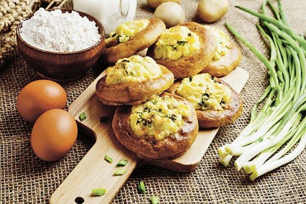 Картофельные шанежки с зеленым луком