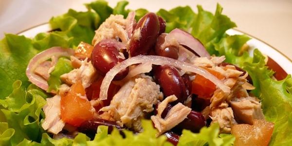Как приготовить салат с копченой курицей и  морковкой по-корейски. (2 рецепта)