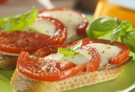 Насколько безопасна пища, которую уронили на пол?