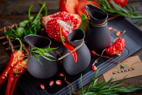 Три рецепта грузинских соусов: ткемали, сацебели и баже.