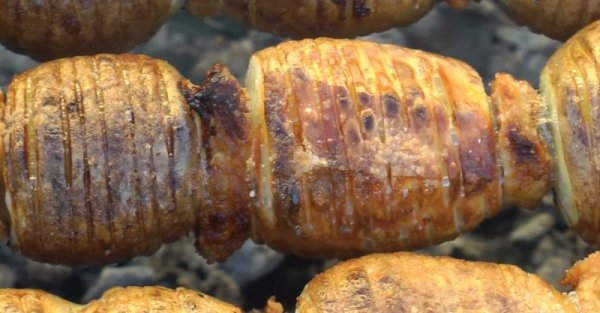 Блюдо для пикника — шашлык из картофеля.(Фоторецепт)