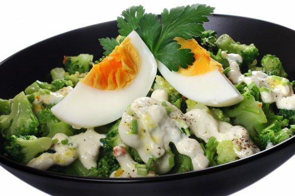 Идеальный теплый салат с брокколи