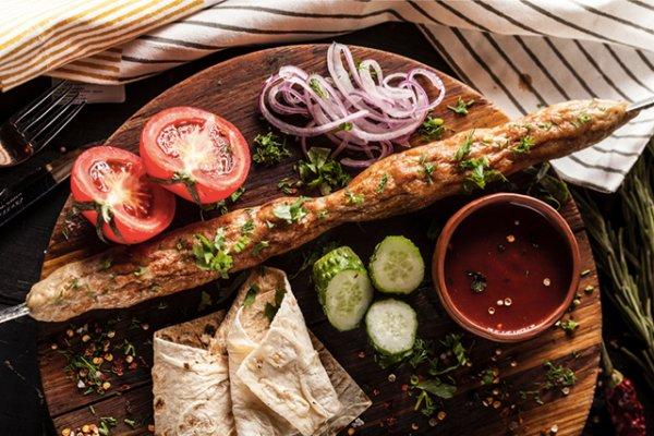 3 рецепта аппетитных блюд, которые можно приготовить быстро и легко на костре.