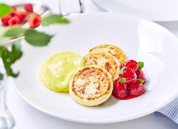 Сырники с лимонным кремом для завтрака