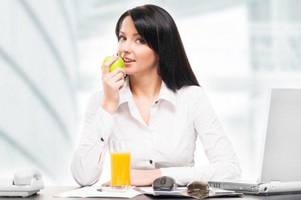 Как правильно питаться на работе, чтобы не набрать лишний вес
