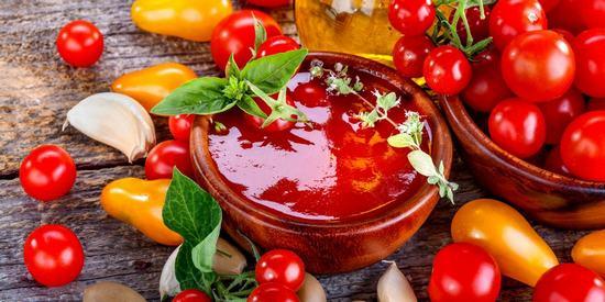 Если у вас большой урожай помидор.4 рецепта вкусного домашнего кетчупа