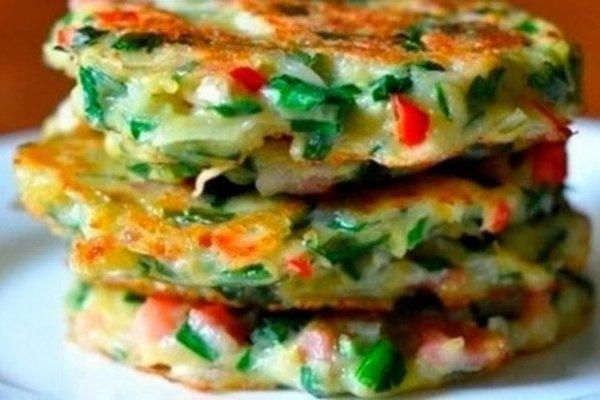 Как просто и вкусно приготовить драники из овощей