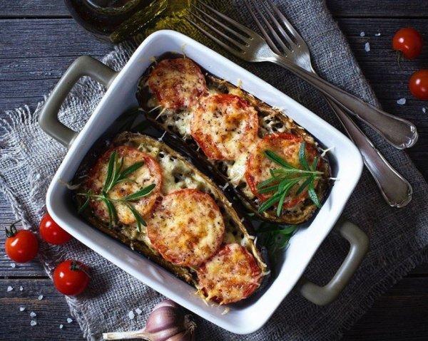 Как приготовить быстро  вкусный ужин. Баклажаны запеченные с мясным фаршем.