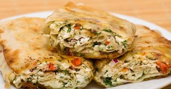 Как быстро приготовить вкусный овощной рулет из лаваша и и еще 20 других начинок на любой вкус.(Фоторецепт)