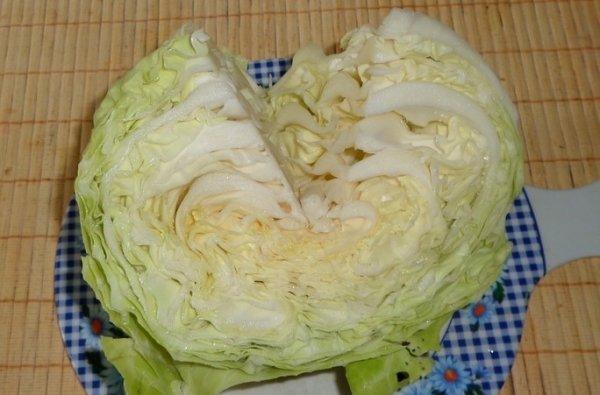 Хрустящая и аппетитная  капуста кусочками в банке.(Заготовка на зиму)