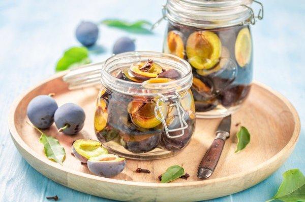 Замечательный и простой рецепт: маринованные сливы.(Заготовка на зиму)