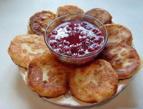 Рецепт манных биточков родом из детства.