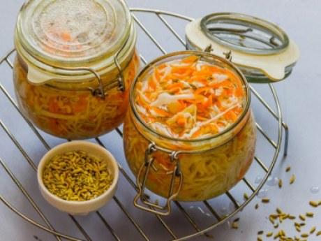 Как приготовить быстро квашеную капусту