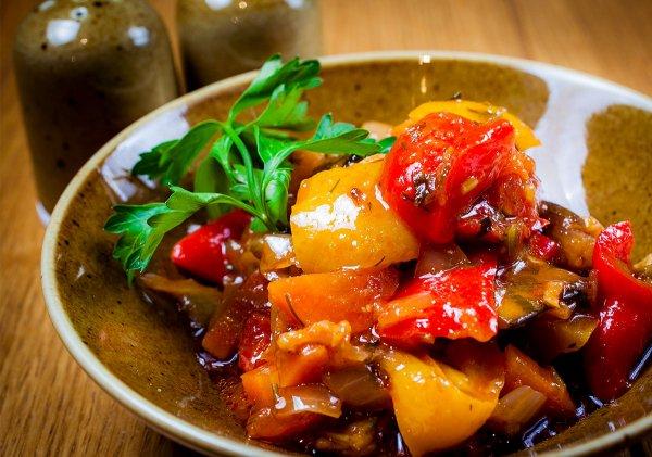 Как приготовить традиционное грузинское блюдо аджапсандал