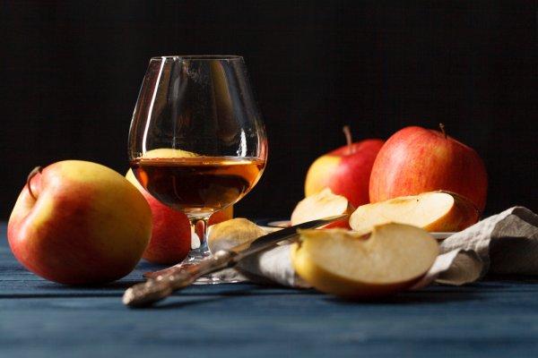 Куда девать избытки урожая яблок? Три рецепта необычных яблочных заготовок.