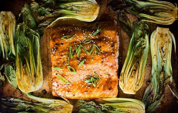 Как оригинально приготовить лосось с капустой бок-чой в соусе терияки