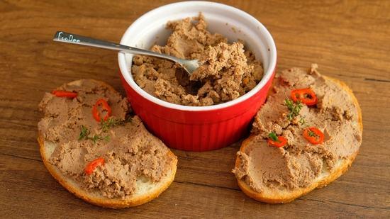 Как приготовить быстро вкусный паштет из куриной печени для завтрака.