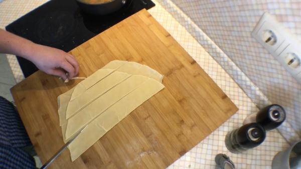 Как приготовить куриный суп с лапшой собственного приготовления. (Фото рецепт)