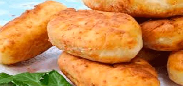 Невероятно вкусные и сытные сырные пышки с ветчинной начинкой.