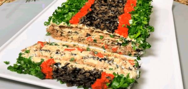 Красивый и вкусный рыбный торт на праздничный стол.