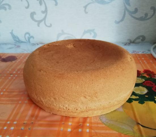 Как очень чень легко и быстро приготовить бисквит в мультиварке. (Фоторецепт)