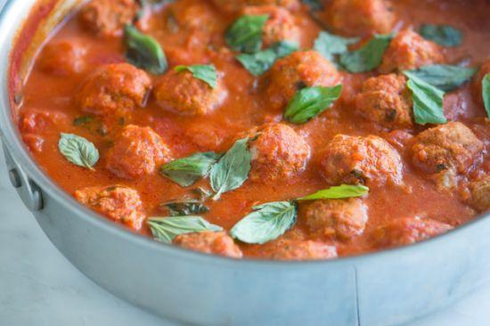 Фрикадельки в томатном соусе. (Фоторецепт)