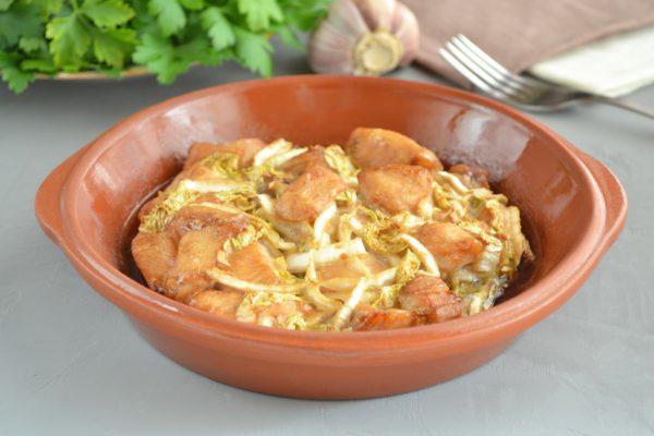 Ароматное и вкусное куриное филе с пекинской капустой в духовке. (Фотрецепт)