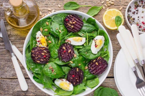 5 вкусных и быстрых рецептов салатов со свеклой