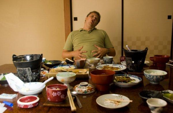 После плотного обеда, полагается поспать! Почему так клонит в сон?