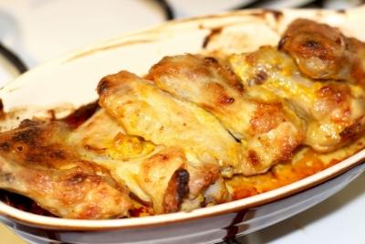 Аппетитный и сытный рецепт на скорую руку. Куриные крылышки приготовленные в духовке