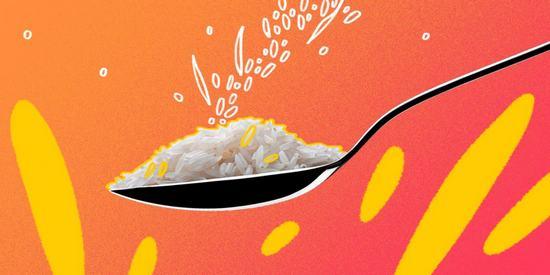 10 интересных салатов с рисом