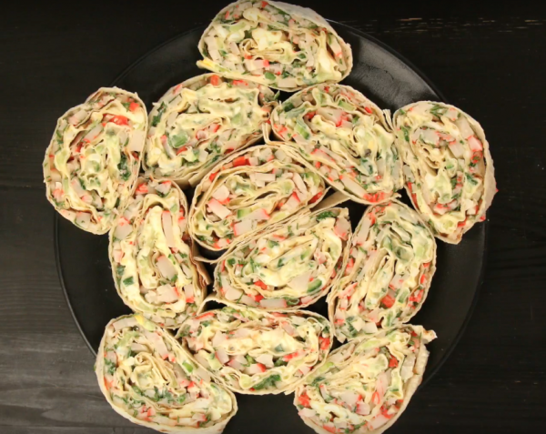 Вкусные и самые быстрые 2 рецепта закуски из лаваша