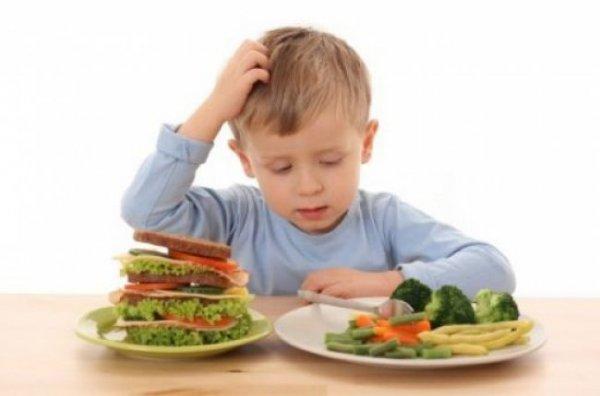 5 нехитрых правил, как заставить ребенка кушать