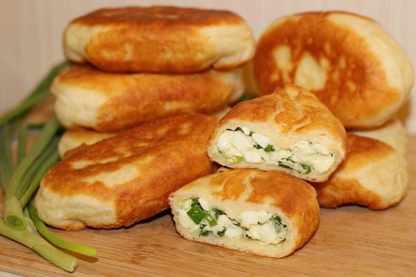 Жареные пирожки из творожного теста с лёгкой и полезной начинкой