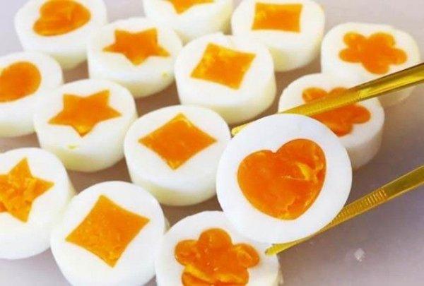 Яйца приготовленные в таком устройстве выглядят просто невероятно.