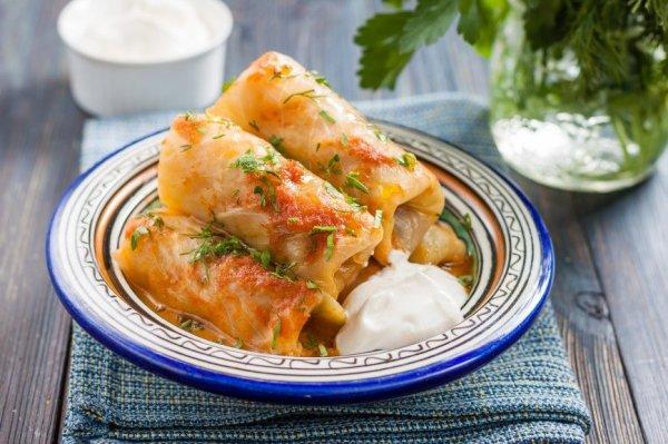 Пять рецептов сытных и вкусных голубцов из ранней капусты на любой вкус.