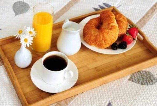 Что приготовить и как сервировать завтрак в постель