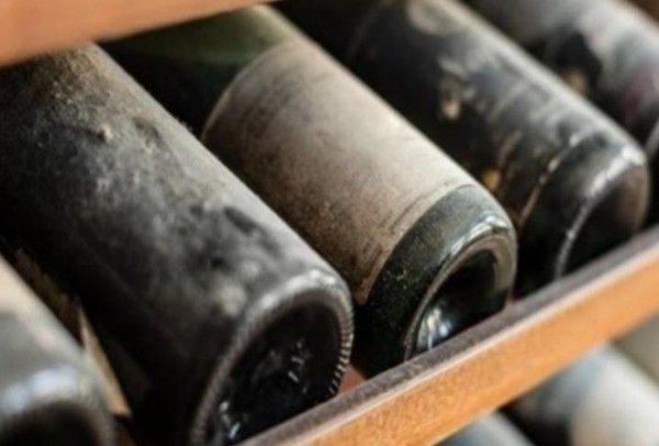 Для каких целей у винных бутылок делают дно вогнутым