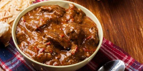 Как приготовить гуляш из говядины. 5 отличных рецептов на ваш вкус.