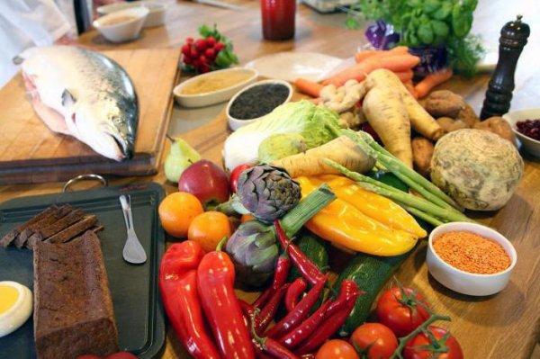 Какие продукты нежелательно есть на голодный желудок, чтобы не спровоцировать ещё больший голод