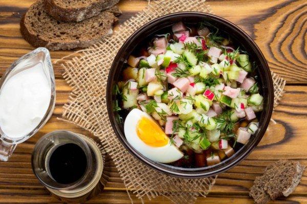 Время  холодных супов: 6 рецептов окрошки на квасе и на кефире