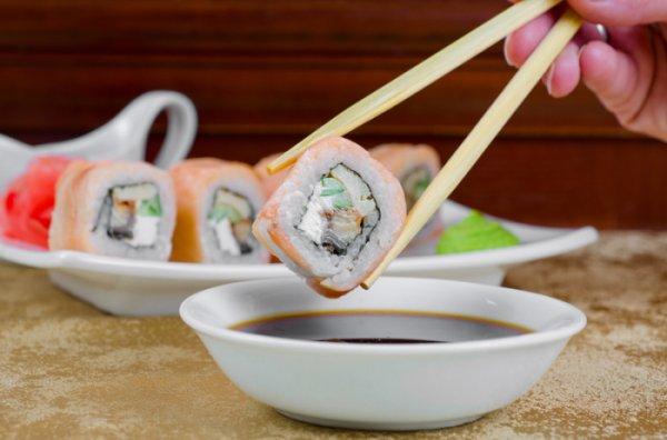 Как научиться правильно есть суши и будет вкуснее!