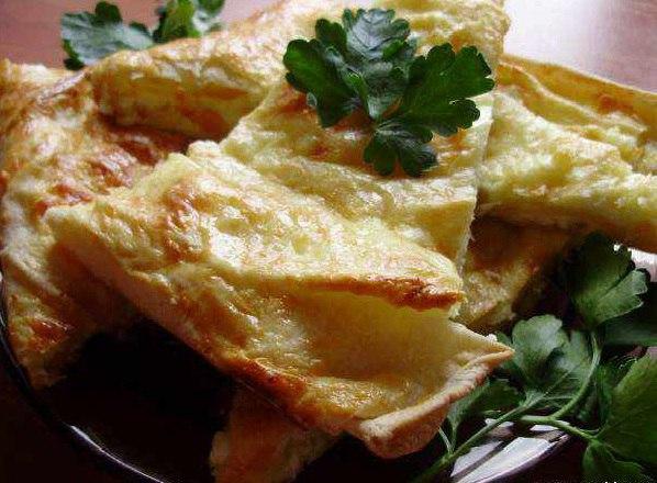 Грузинское блюдо: Ачма из лаваша с сыром сулугуни