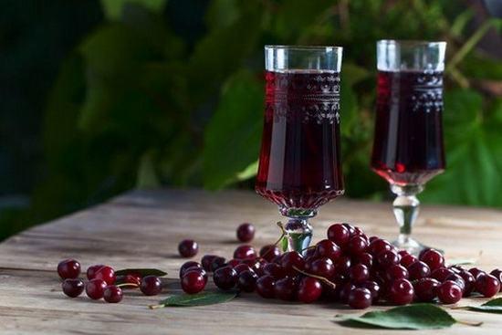 Как сделать вкусное вино из вишни в домашних условиях