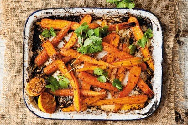 Морковь, запеченная в духовке с кумином