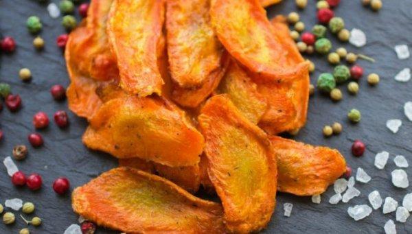 Вкусное и полезное лакомство — морковные чипсы